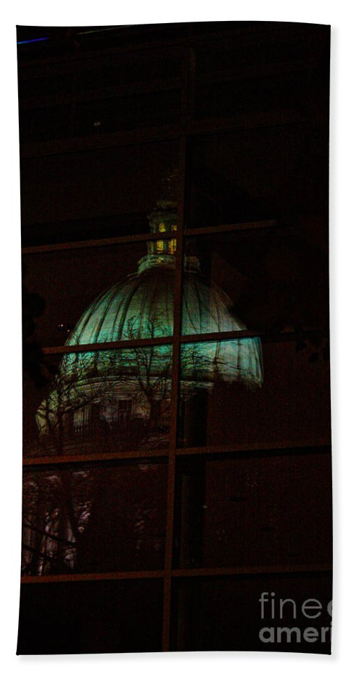 Madison. Wisconsin Hand Towel featuring the photograph Capitol Reflections by Tommy Anderson