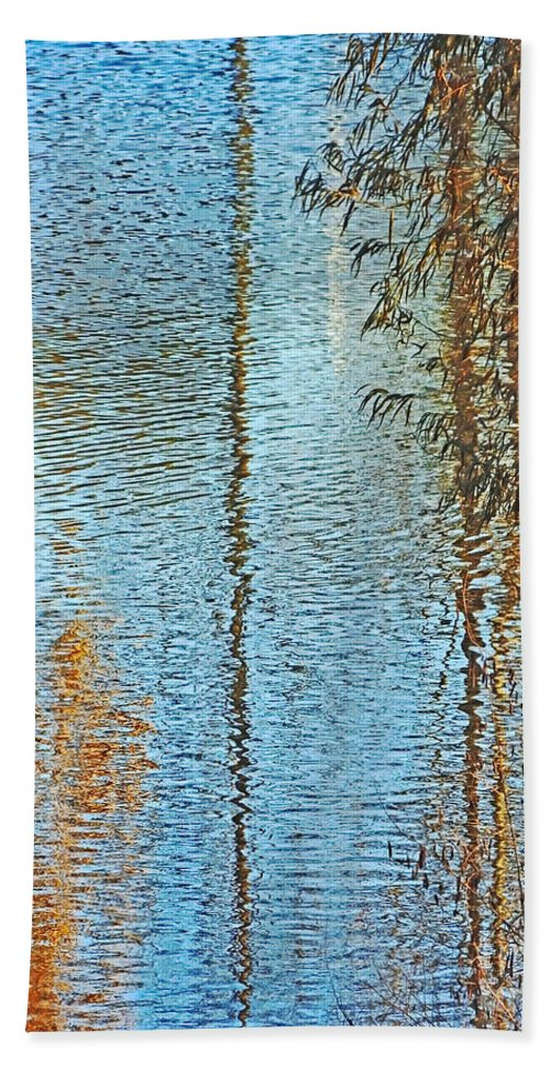 Lake Hand Towel featuring the photograph Capitol Waters by Lizi Beard-Ward