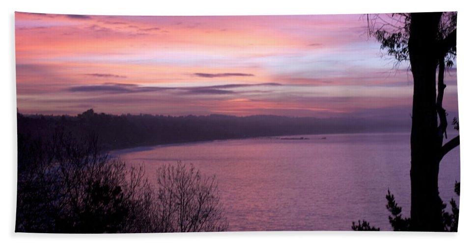#sunrise #california #capitola #santacruz #seacliff #landscape Bath Sheet featuring the photograph Capitola Bluffs by Lora Lee Chapman