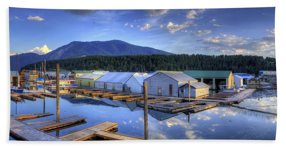 Bayview Bath Sheet featuring the photograph Bayview Marina 3 by Lee Santa