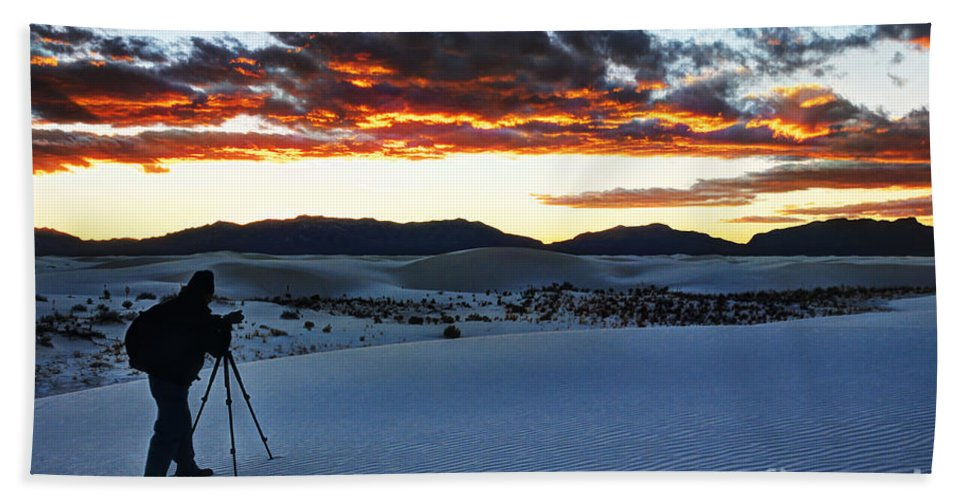 White Sands Hand Towel featuring the photograph Capturing The Sunset by Vivian Christopher