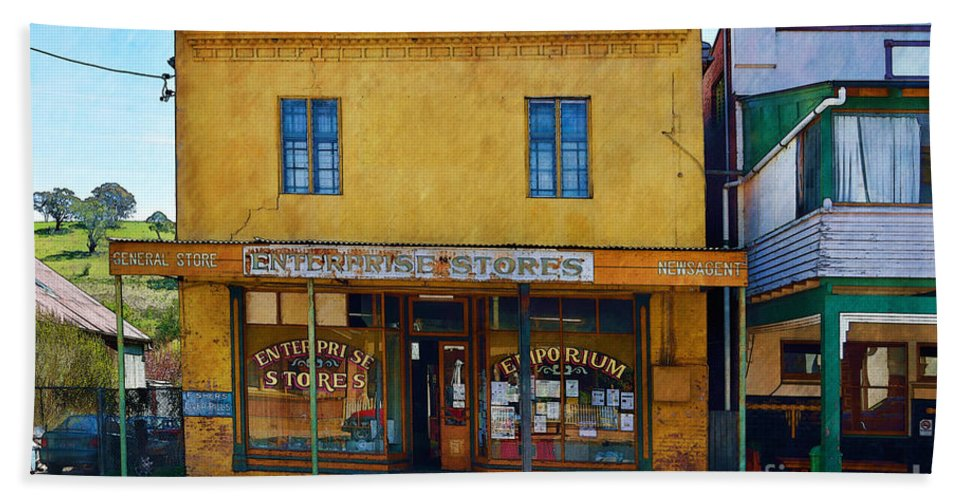 Carcoar Bath Sheet featuring the photograph Carcoar General Store by Stuart Row