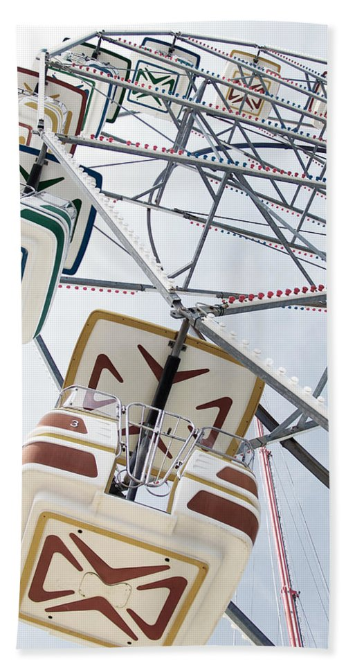 Ferris Wheel Bath Sheet featuring the photograph Carnival by Erin McCandless