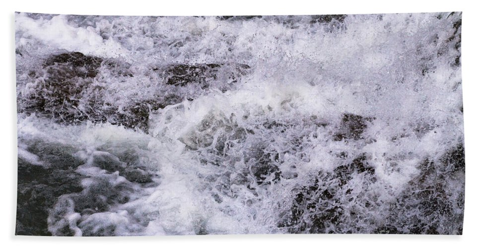 Water Hand Towel featuring the photograph Cascade by William Norton