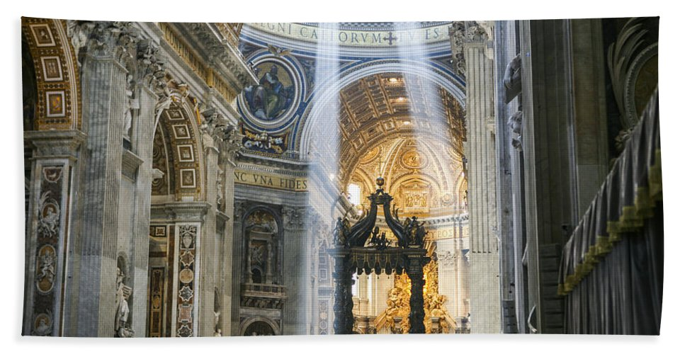 Italy 2014 Bath Sheet featuring the photograph Cast Youyr Eyes To The Heavens by Eric Swan
