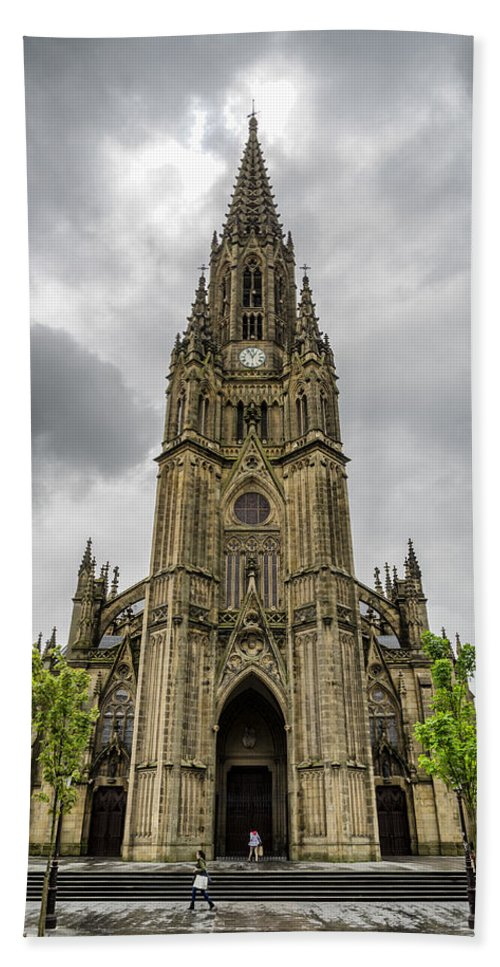 Catedral Hand Towel featuring the photograph Catedral Del Buen Pastor by Pablo Lopez