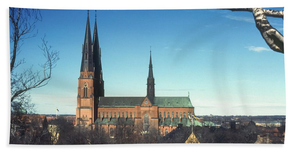 Cathedral Cathedrals Uppsala Sweden Church Churches City Cities Cityscape Cityscape Building Buildings Structure Structures Architecture Steeple Steeples Place Places Of Worship Hand Towel featuring the photograph Cathedral At Uppsala by Bob Phillips