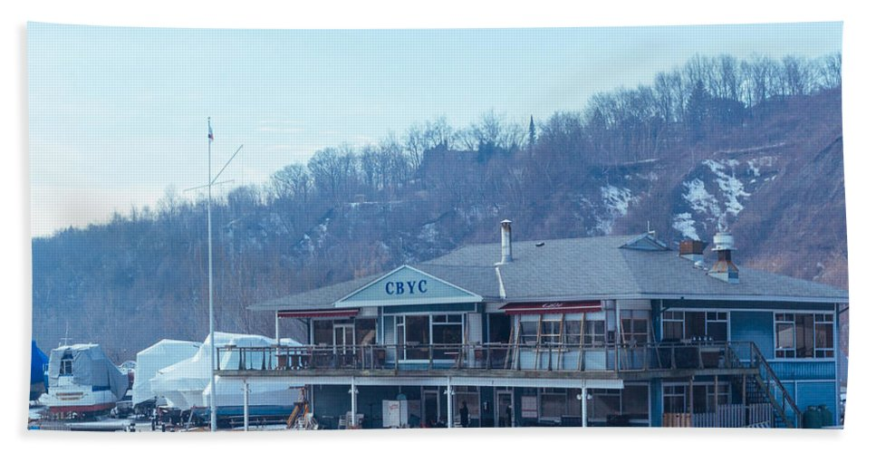 Cbyc Hand Towel featuring the photograph Cathedral Bluffs Yacht Club At Toronto by Kyra Savolainen