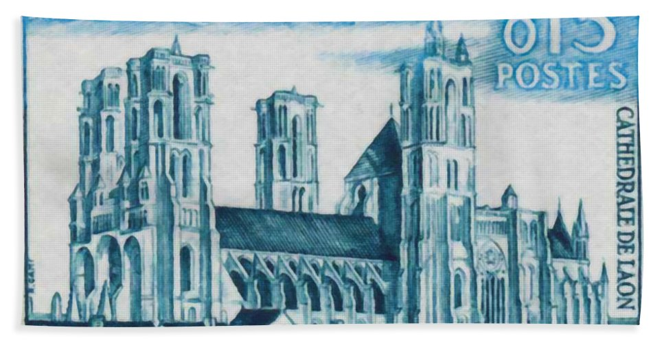 Heritage Bath Sheet featuring the painting Cathedral Of Laon by Jeelan Clark