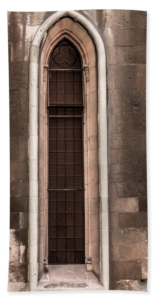 Cathedral Hand Towel featuring the photograph Cathedral Window by Edgar Laureano