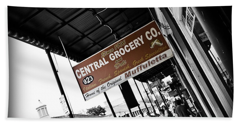 Black & White Hand Towel featuring the photograph Central Grocery by Scott Pellegrin