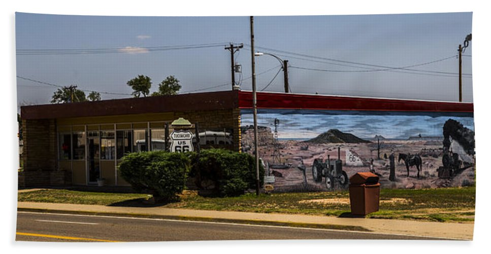 Route 66 Hand Towel featuring the photograph Chamber Of Commerce by Angus Hooper Iii