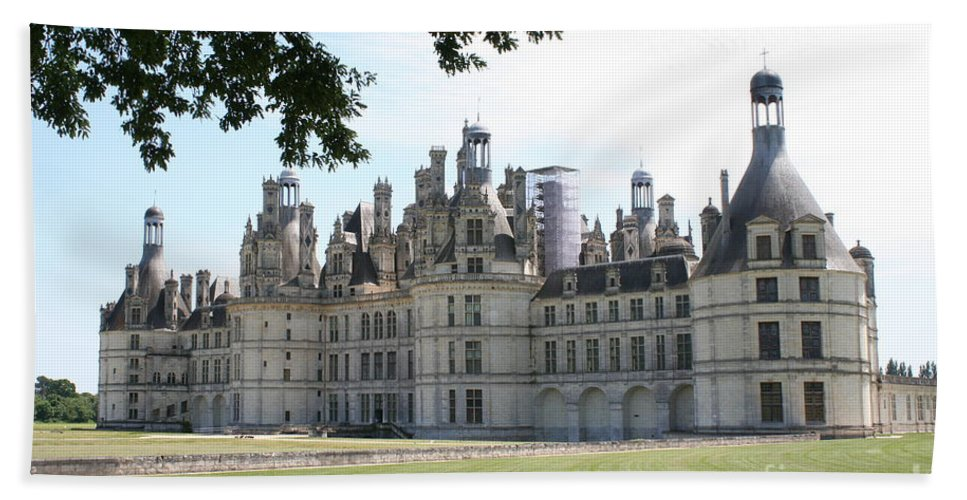 Palace Bath Sheet featuring the photograph Chateau Chambord - France by Christiane Schulze Art And Photography