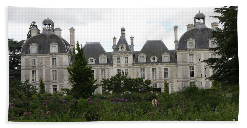 Palace Hand Towel featuring the photograph Chateau Cheverney by Christiane Schulze Art And Photography