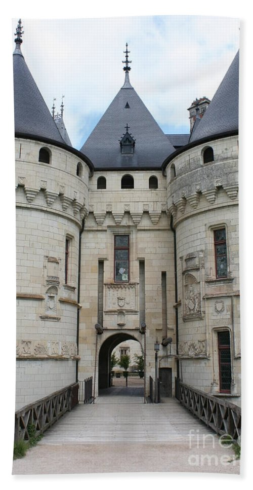 Palace Bath Sheet featuring the photograph Chateau De Chaumont - France by Christiane Schulze Art And Photography