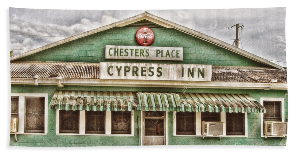 Chesters Place Hand Towel featuring the photograph Chester's Place by Scott Pellegrin