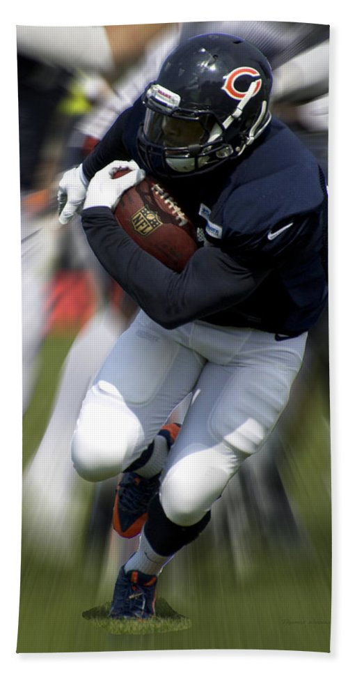 Chicago Bears Hand Towel featuring the photograph Chicago Bears Training Camp 2014 Moving The Ball 07 by Thomas Woolworth