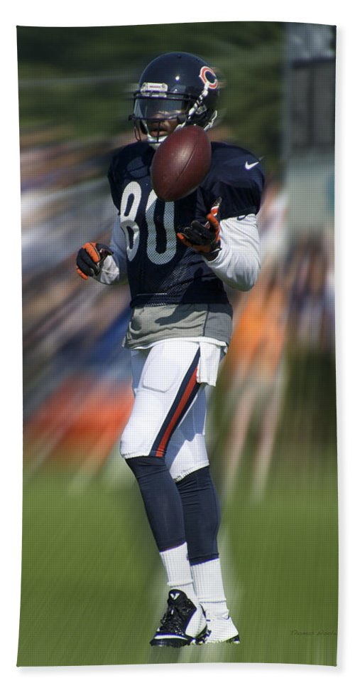Chicago Bears Hand Towel featuring the photograph Chicago Bears Wr Armanti Edwards Moving The Ball Training Camp 2014 by Thomas Woolworth