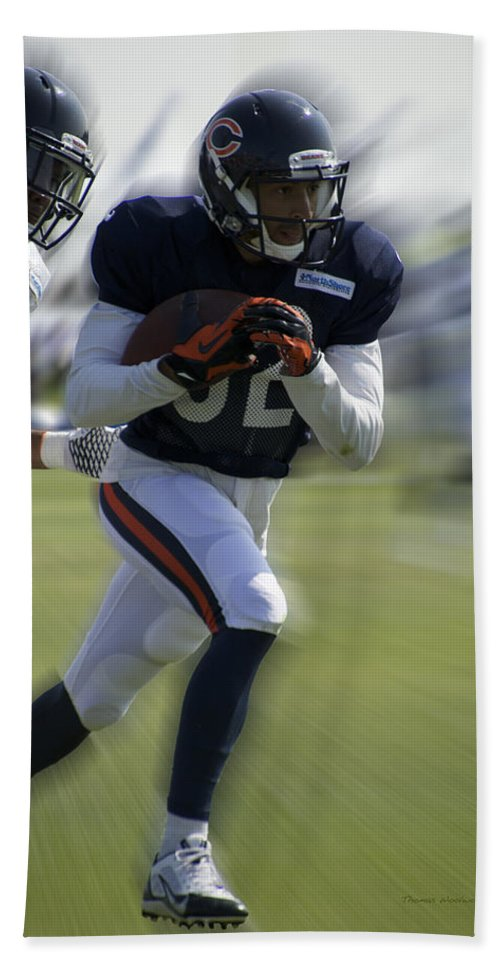 Chicago Bears Hand Towel featuring the photograph Chicago Bears Wr Chris Williams Moving The Ball Training Camp 2014 by Thomas Woolworth