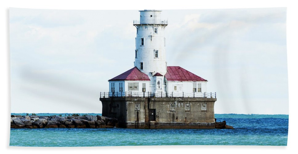 Horizontal Bath Sheet featuring the photograph Chicago Illinois Harbor Lighthouse Close Up Usa by Sally Rockefeller