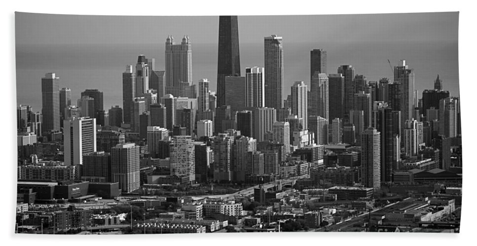 Black And White Bath Sheet featuring the photograph Chicago Looking East 01 Black And White by Thomas Woolworth