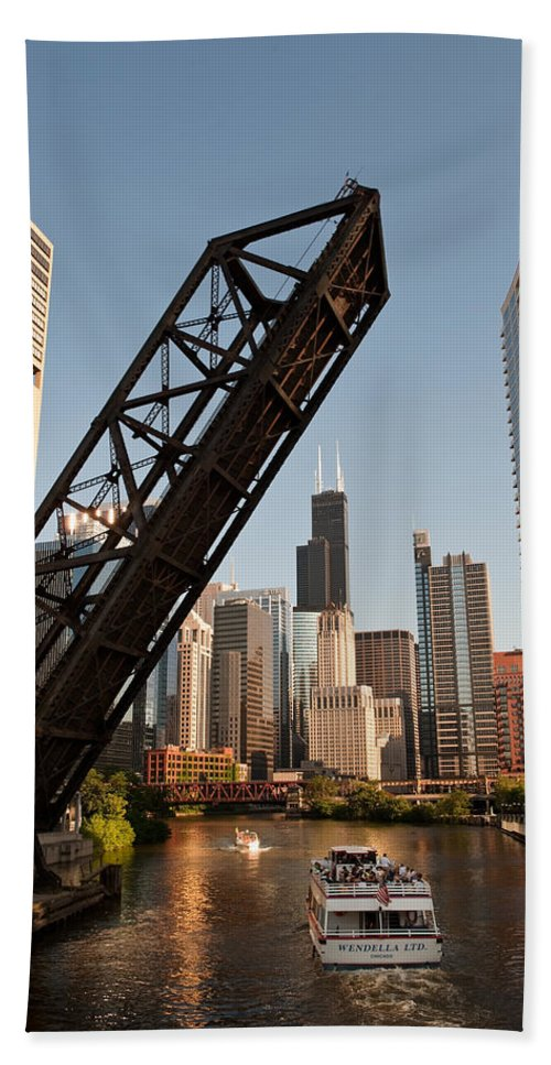 Chicago Hand Towel featuring the photograph Chicago River Traffic by Steve Gadomski
