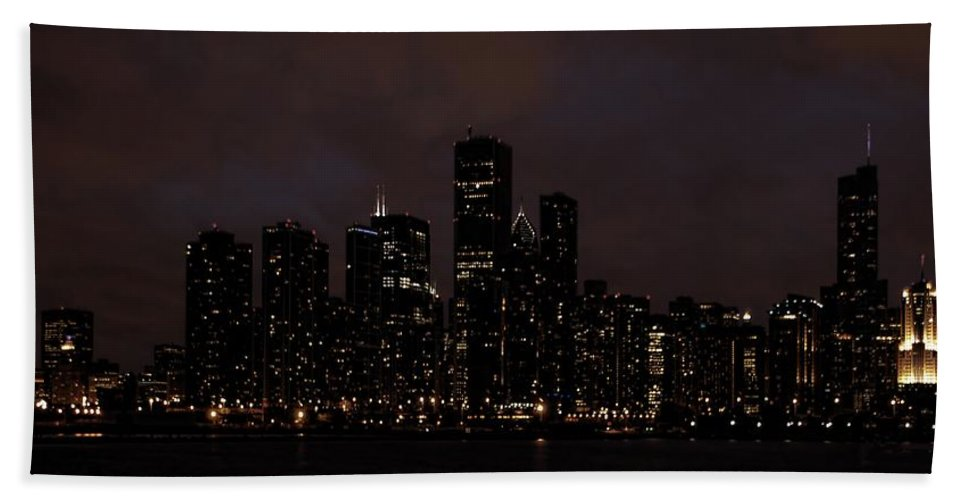 Chicago Hand Towel featuring the photograph Chicago Skyline At Night by Ken Smith