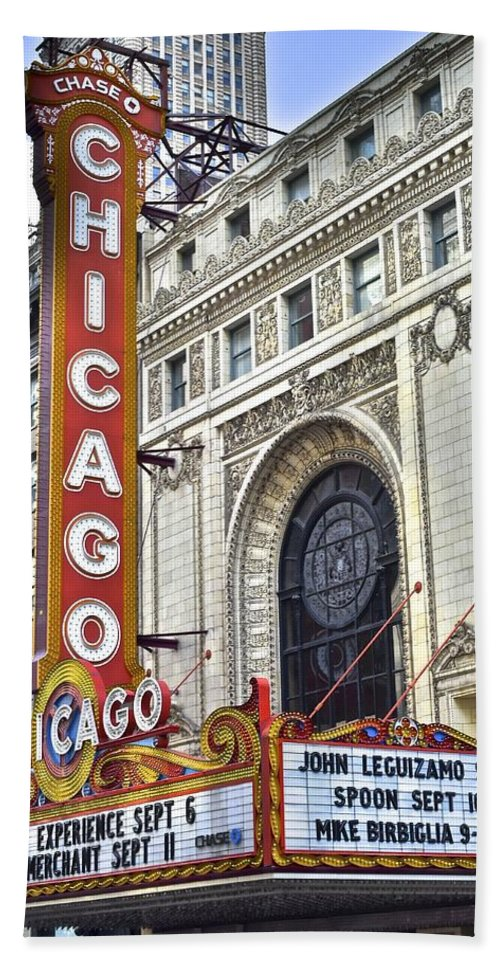 Chicago Bath Towel featuring the photograph Chicago Theater by Frozen in Time Fine Art Photography