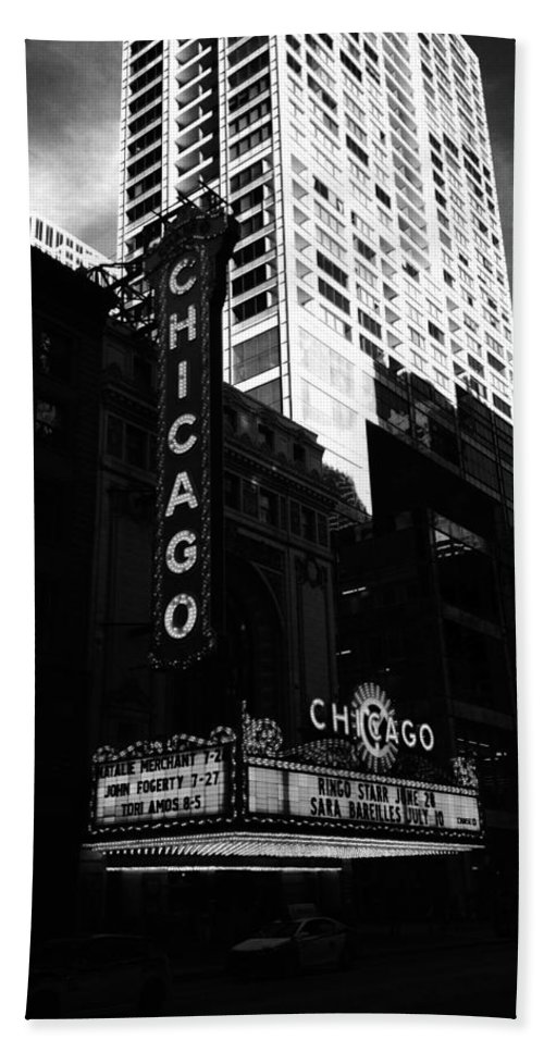Hand Towel featuring the photograph Chicago Theater by Sue Conwell