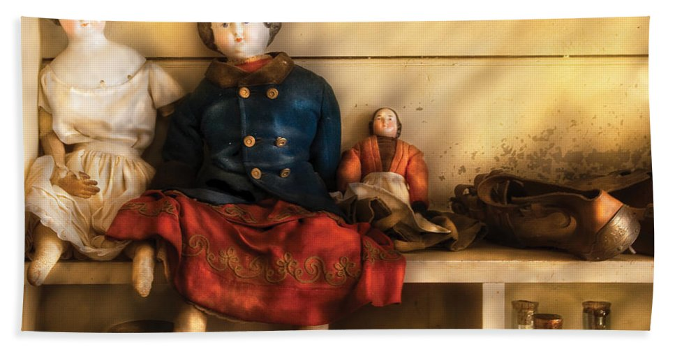 Savad Bath Sheet featuring the photograph Children - Toys - Assorted Dolls by Mike Savad