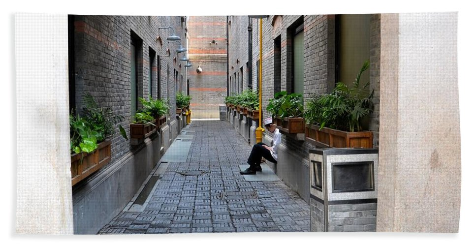 Chef Hand Towel featuring the photograph Chinese Restaurant Chef Has Quiet Moment Shanghai China by Imran Ahmed