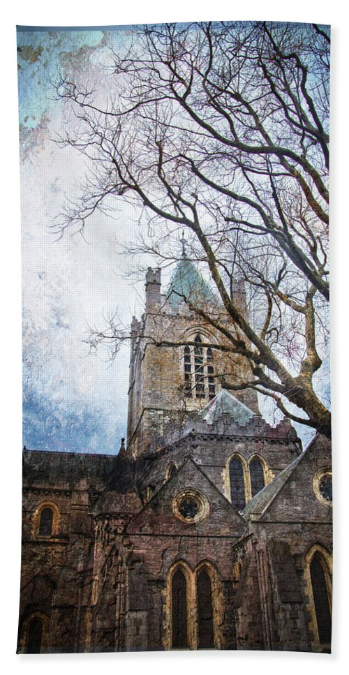 Christ Church Cathedral Bath Sheet featuring the photograph Christ Church Cathedral Dublin by Alex Art and Photo