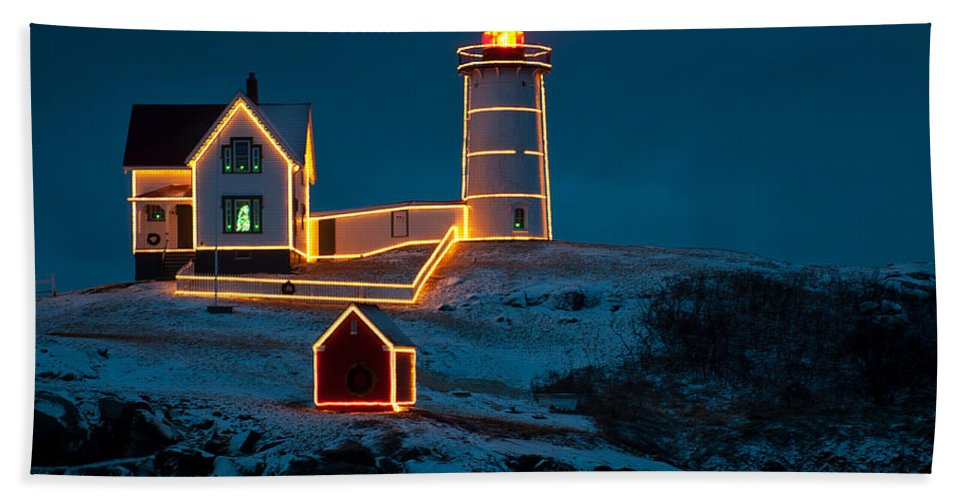 nubble Light House Hand Towel featuring the photograph Christmas At Nubble Light by Paul Mangold