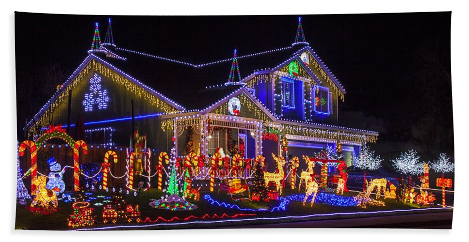 Christmas House Hand Towel featuring the photograph Christmas House by Garry Gay