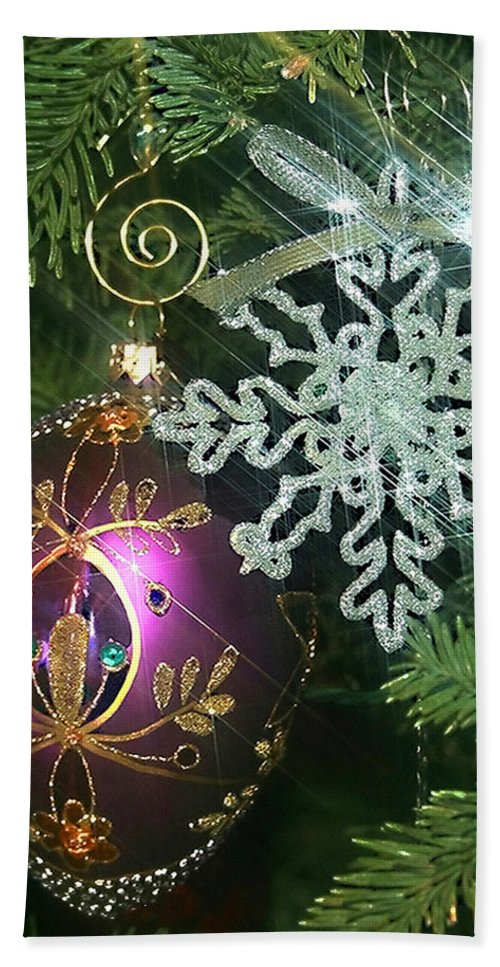 Christmas Ornaments Bath Towel featuring the photograph Christmas Ornaments 2 by Ellen Henneke