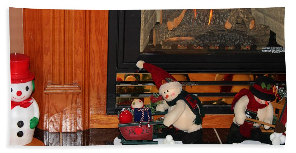 Christmas Hand Towel featuring the photograph Christmas - Snowmen Collection- Fireplace by Barbara Griffin