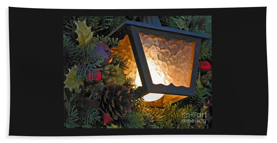 Christmas Hand Towel featuring the photograph Christmas Welcome by Ann Horn