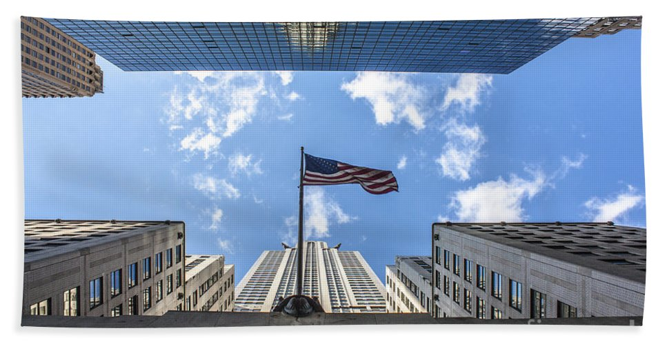 Chrysler Building Hand Towel featuring the photograph Chrysler Building Reflections Horizontal by Nishanth Gopinathan