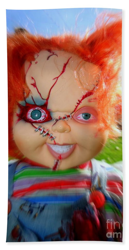 Chucky Bath Sheet featuring the photograph Chuckys Coming by Ed Weidman