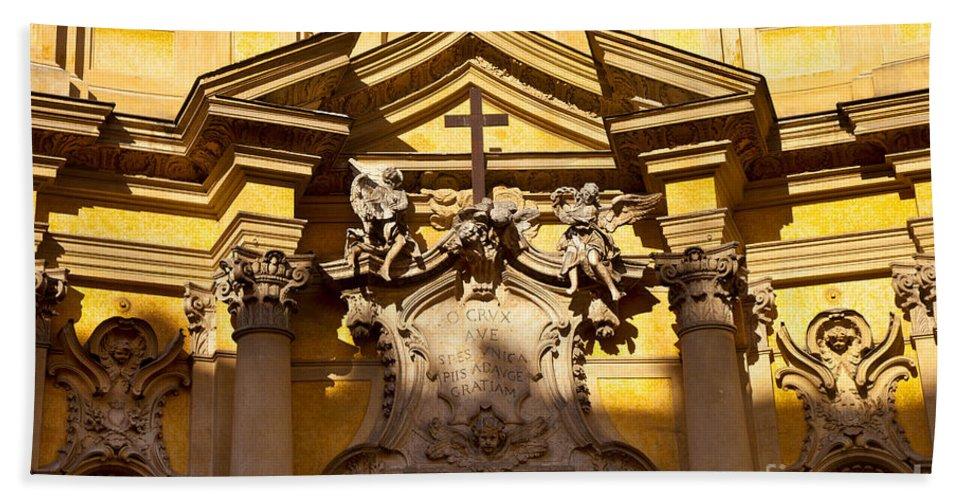 Chiesa Bath Sheet featuring the photograph Church Facade by Brian Jannsen