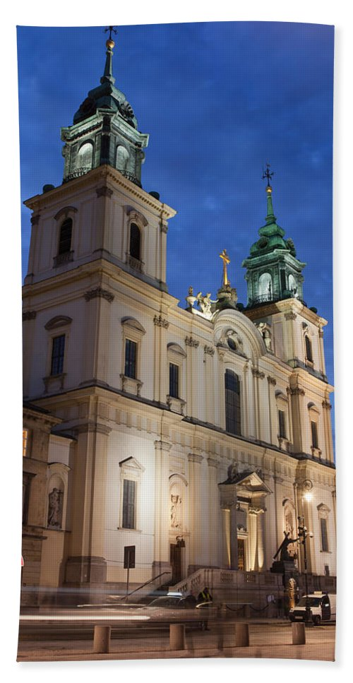 Architectural Hand Towel featuring the photograph Church Of The Holy Cross At Night In Warsaw by Artur Bogacki