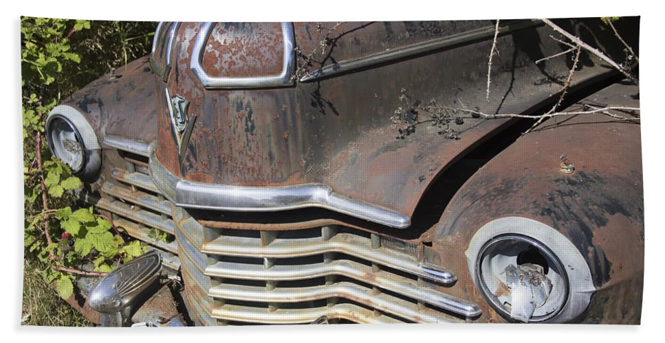 Hand Towel featuring the photograph Classic Car With Rust by Cathy Anderson