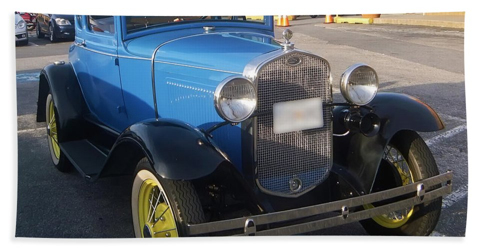2d Bath Sheet featuring the photograph Classic Ford by Brian Wallace