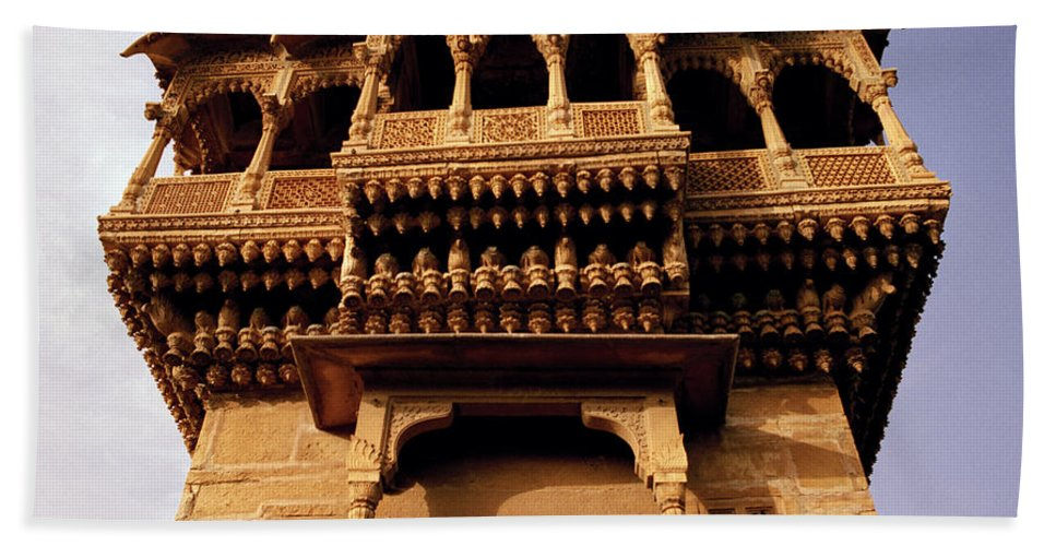 India Bath Sheet featuring the photograph A Rajasthan Haveli by Shaun Higson