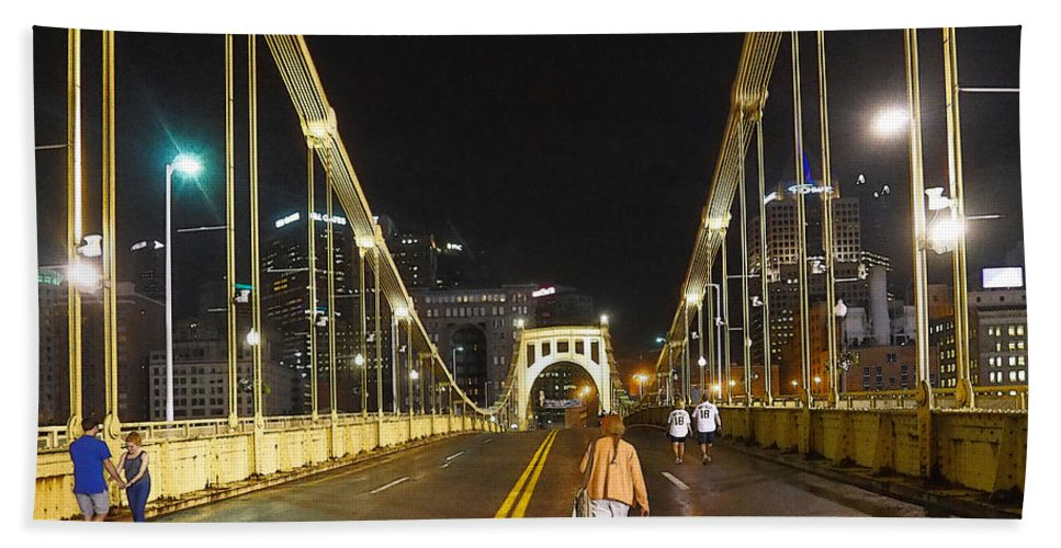 Clemente Bath Sheet featuring the photograph Clemente Bridge Stragglers by C H Apperson