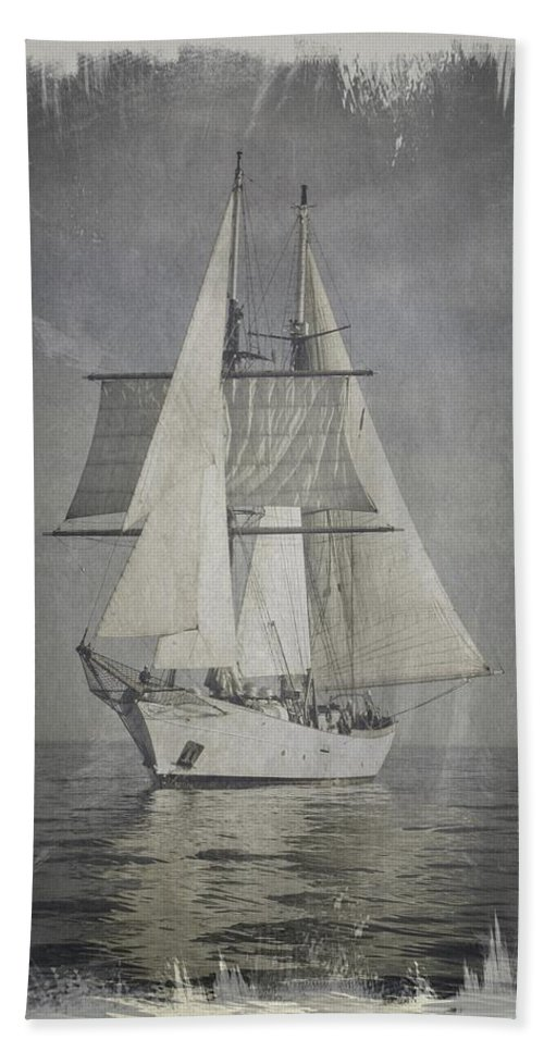 Vintage Hand Towel featuring the photograph Clipper Under Sail by E Karl Braun