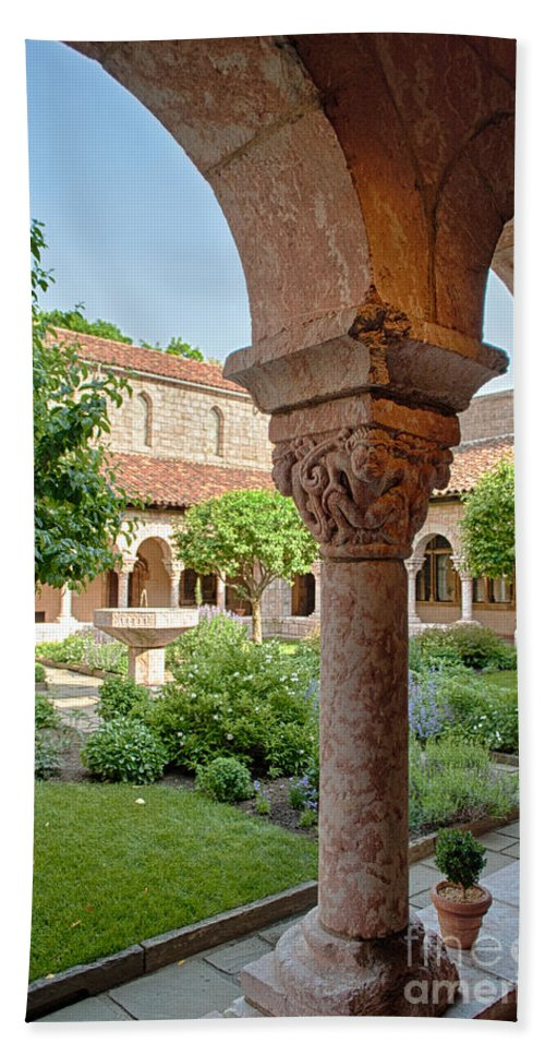 Cloisters Hand Towel featuring the photograph Cloisters Courtyard by Ray Warren