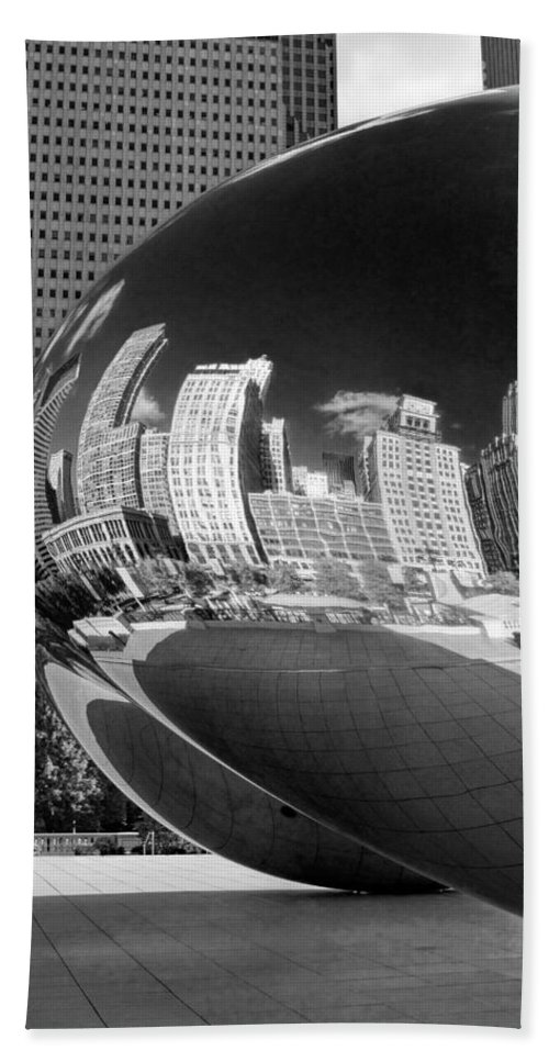Chicago Hand Towel featuring the photograph Cloud Gate Bean Black And White by Christopher Arndt
