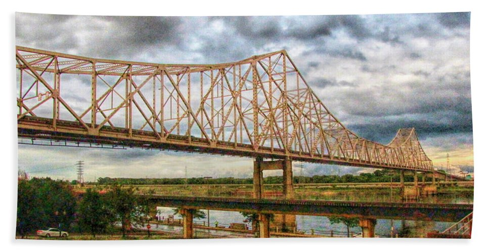 King Bridge Hand Towel featuring the photograph Clouds Over King Bridge by C H Apperson