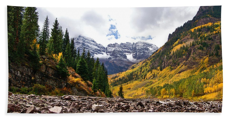 Colorado Hand Towel featuring the photograph Cloudy Bells by Jeremy Rhoades